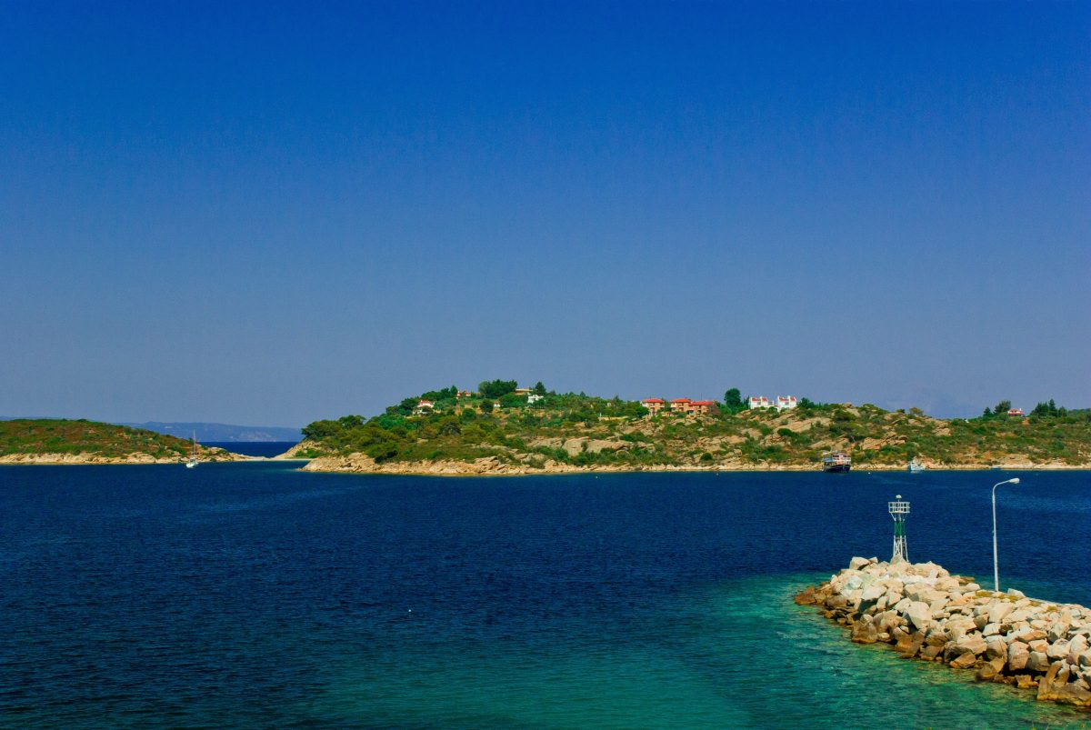Ormos Panagias harbor