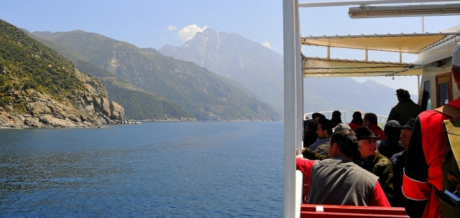 Boat cruise to Mount Athos from Ouranoupoli