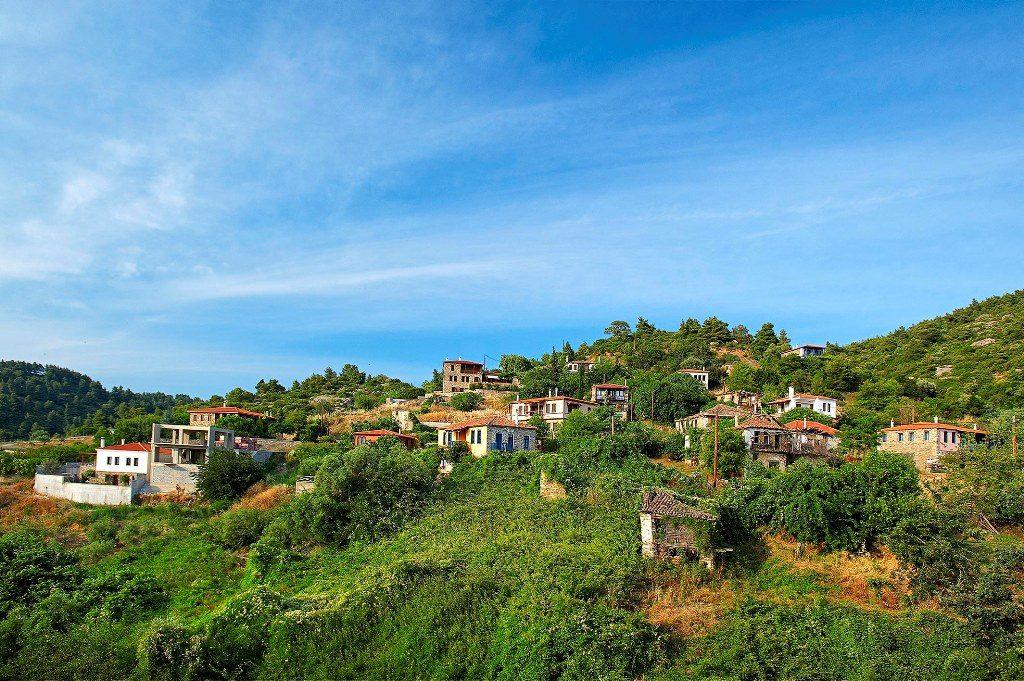 Parthenonas village
