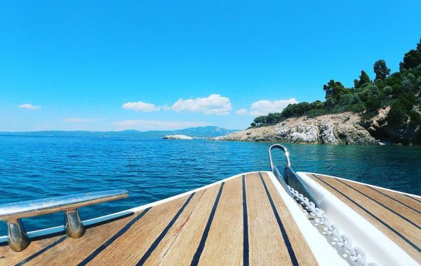 Rent a boat in Nea Fokea