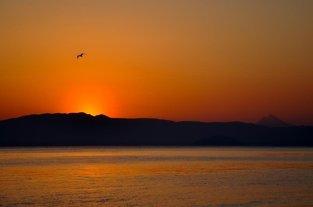 An amazing sunrise at Polichrono