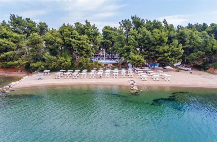 Makria Lagada beach (Porfi beach)